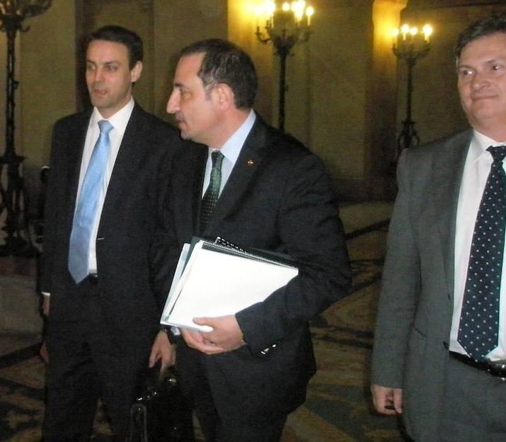 Manel Prat i el conseller Espadaler al Parlament