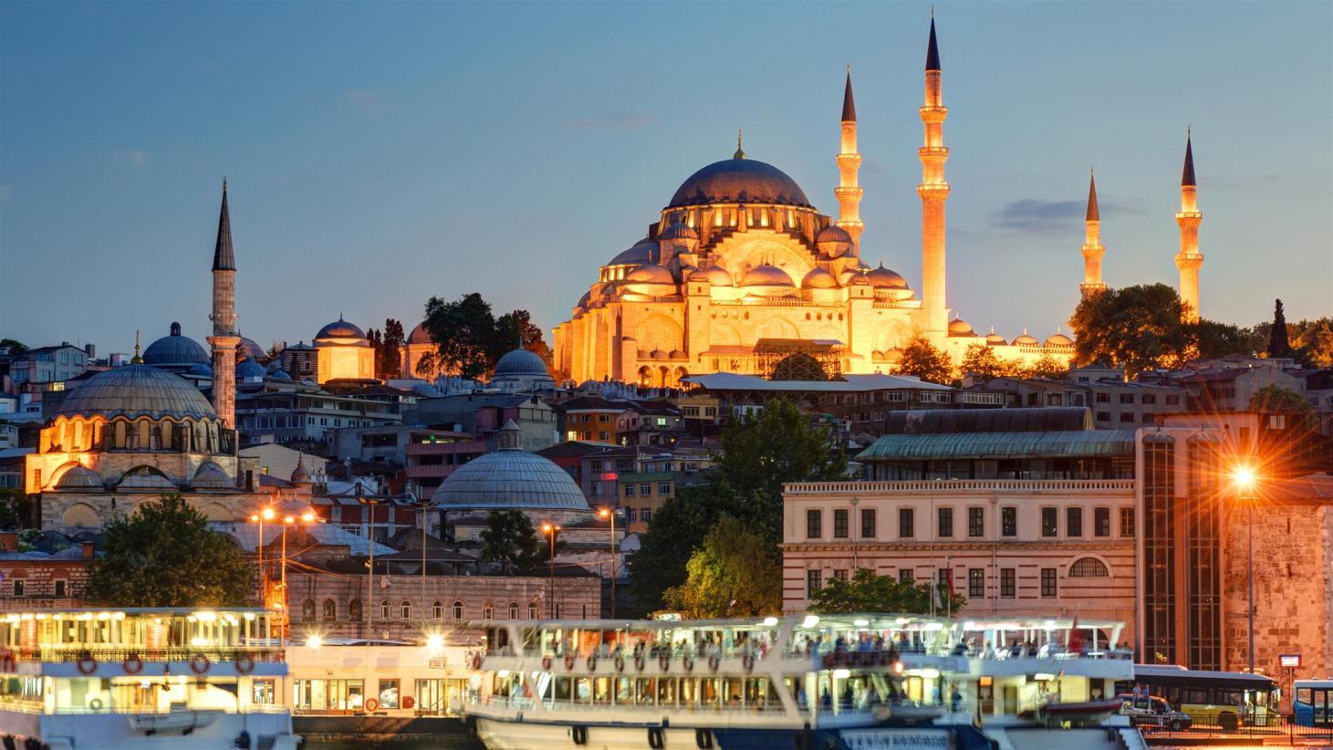 Visión nocturna de Estambul
