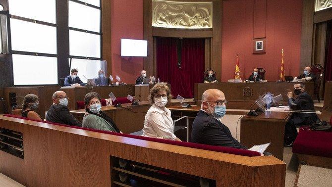 La anterior Mesa del Parlament, acusada del delito de desobediencia