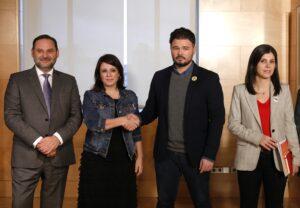 Membres de la taula de diàleg entre el PSOE i ERC