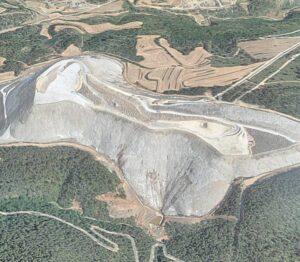 Montaña de residuo salino en el Cogulló