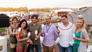 Miquel Casals, en el círculo, en el White Summer Festival, con Carles Puigdem