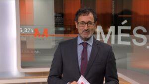Xavier Graset presenta y dirige el programa 'Més 324' que emite cada noche el canal 3/24.