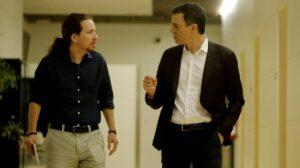Pablo Iglesias con Pedro Sánchez