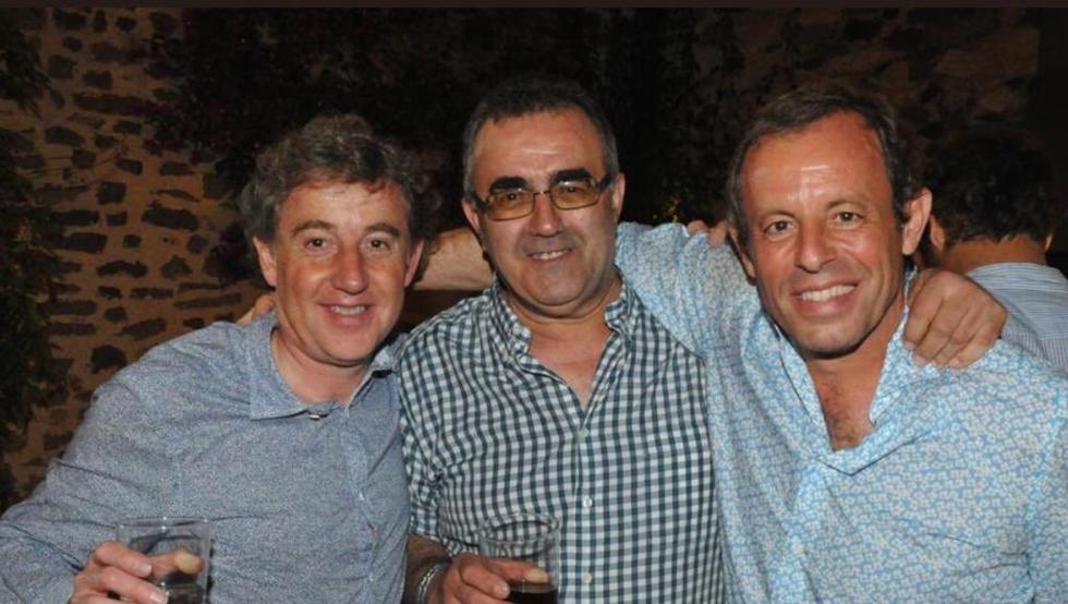 Joan Besolí, el padre Paulino y Sandro Rosell, celebrando la sentencia