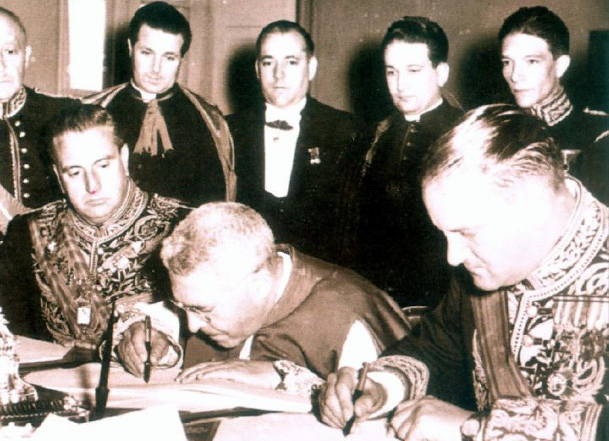 El primer Concordato entre España y la Santa Sede se firmó en el Vaticano el 27 de agosto del 1953.