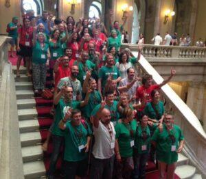 Representants dels promotors de la ILP Habitatge al Parlament