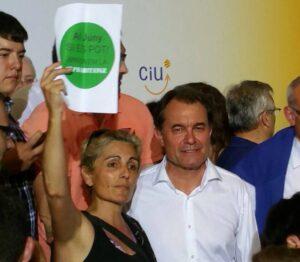 Escarni de la PAHC a Mas