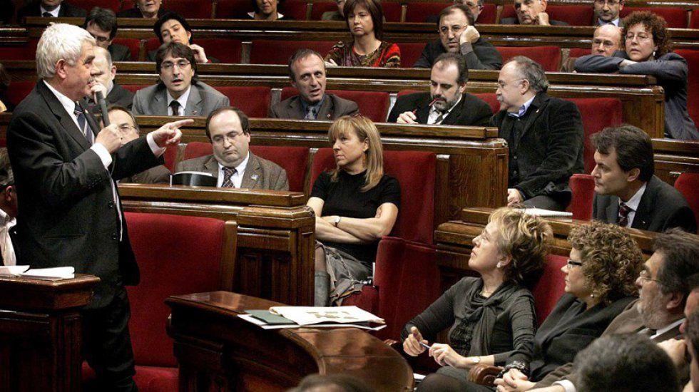 Pasqual Maragall recriminando a Artur Mas el 3%, en el Parlament