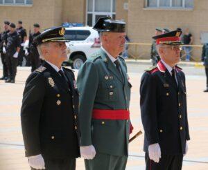 Pedro Garrido (centro), acompañado por las jefes policiales de los Mossos d'Esquadra y la Policía Nacional