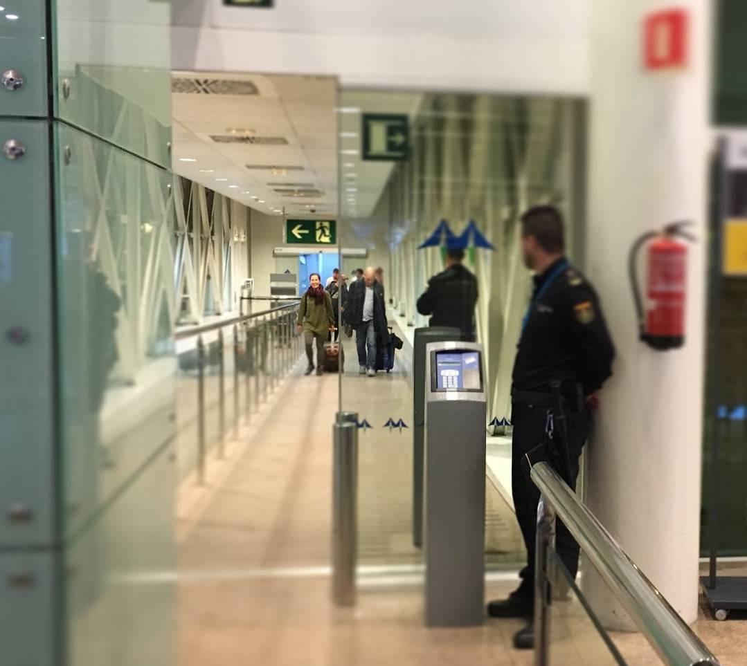Control Policia aeroport El Prat