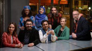Los ocho presentadores del programa 'Manual de supervivencia'
