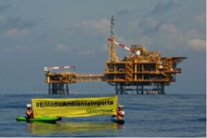 Protesta de Greenpeace contra el dipòsit Castor