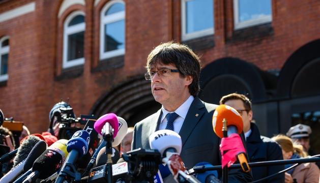 Puigdemont, durant la compareixença en sortir de la presó de Neumünster