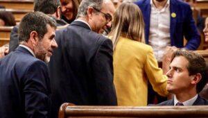 Jordi Sánchez i Jordi Turull, al Congrés dels Diputats, passen per d