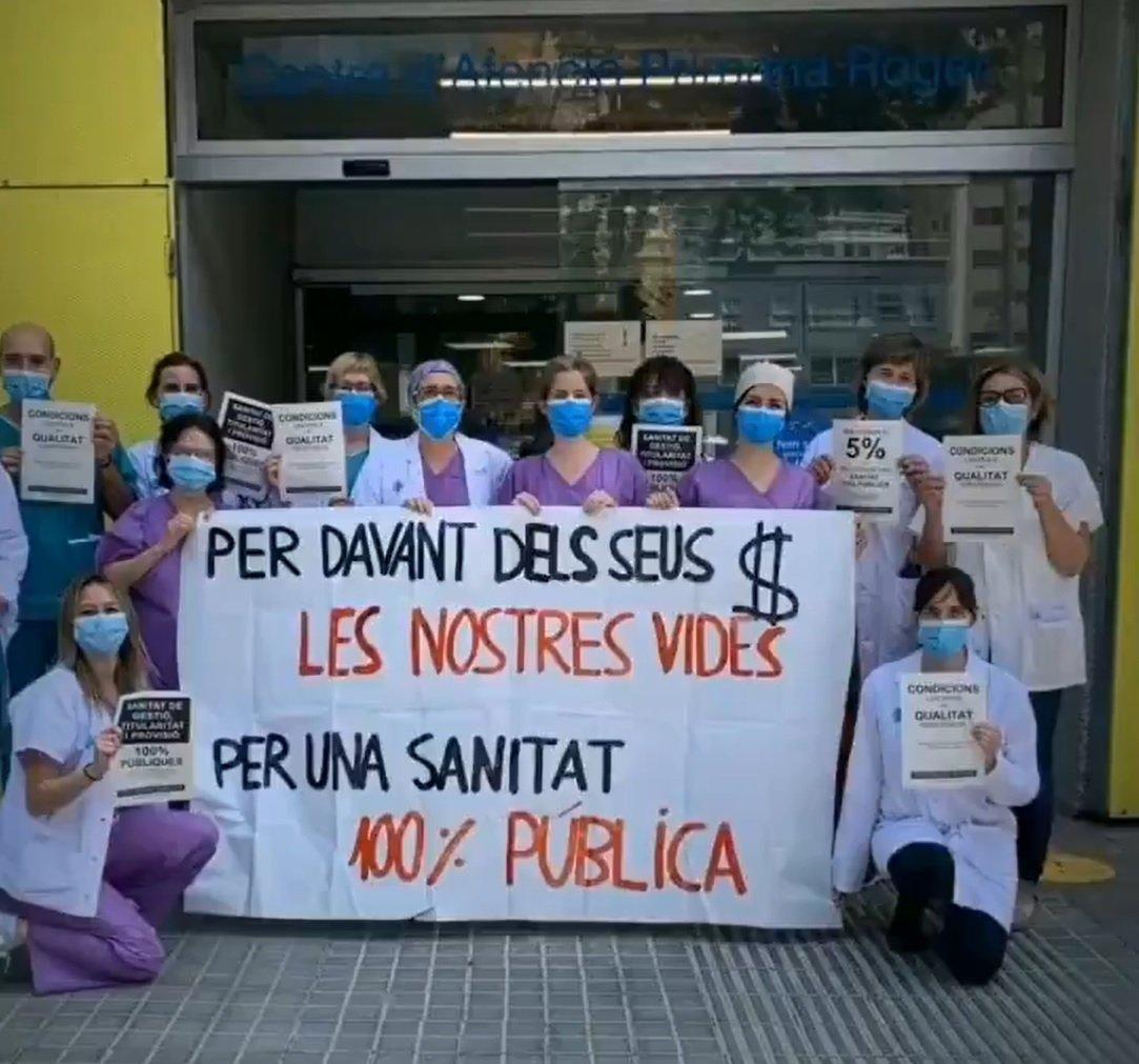 Protesta de sanitaris en defensa de la salut pública