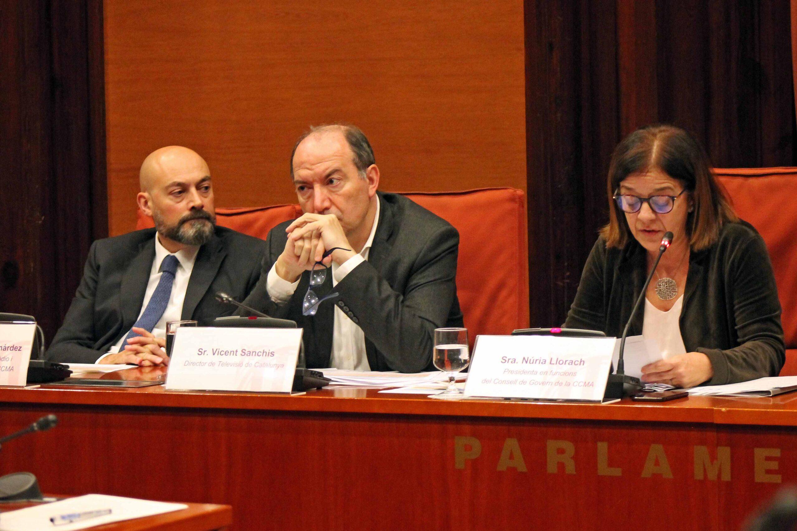 Saül Gordillo, Vicent Sanchis y Núria Llorach, en el Parlament