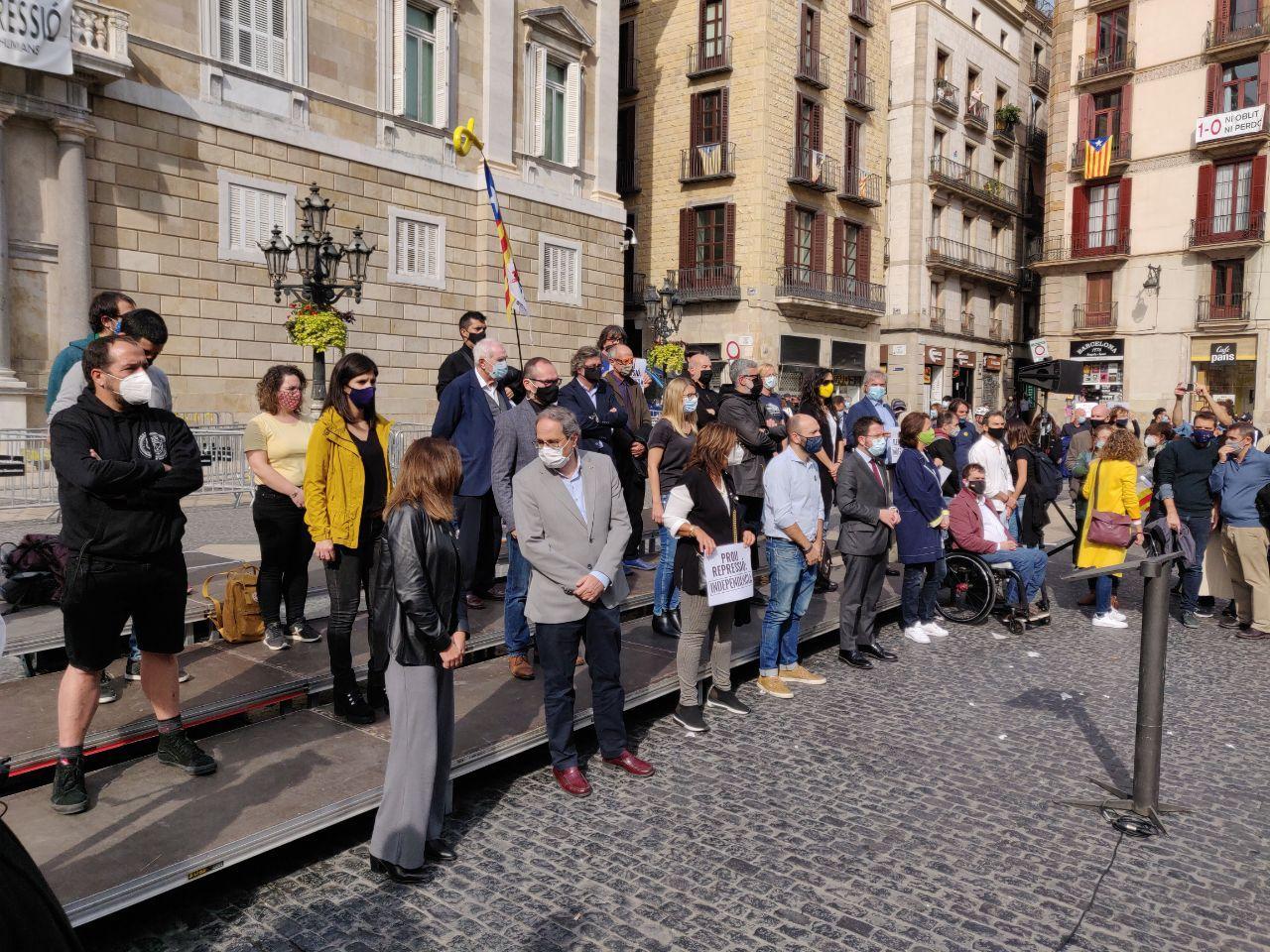 Protesta de los partidos y las entidades independentistas en Sant Jaume