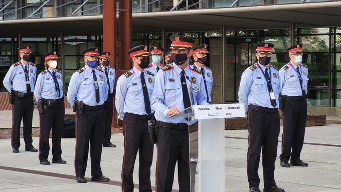 Trapero amb comandaments dels Mossos d'Esquadra