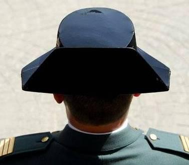 Guàrdia civil tricorni