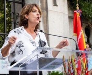 La ministra Dolores Delgado, en l'acte en memòria de 'La Nueve', a Pa