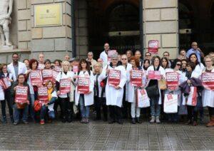Médicos de Cataluña han presentado firmas a la EQUIS
