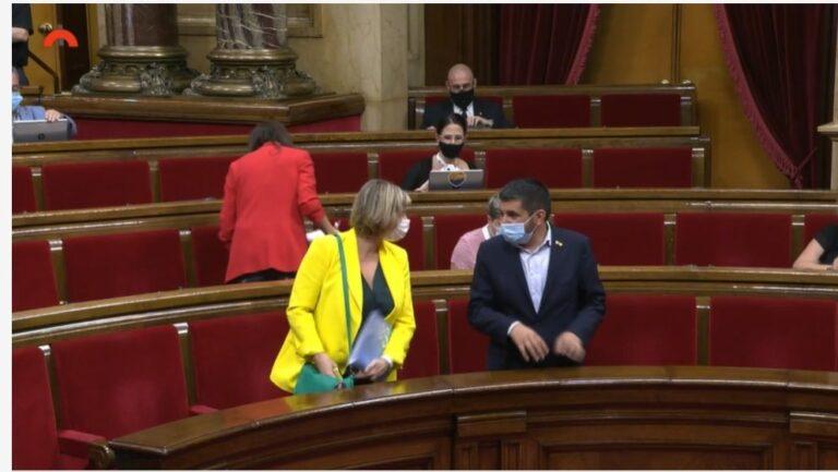 Alba Vergés i Chakir El Homrani, després de la votació de les resoluc