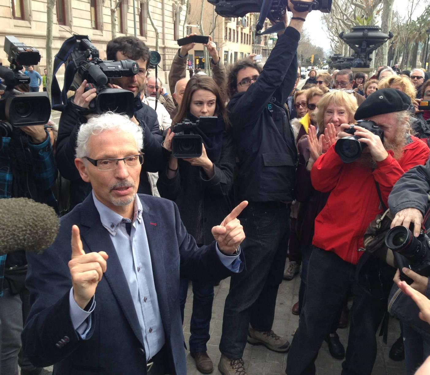 Santiago Vidal surt de l'Audiència Provincial