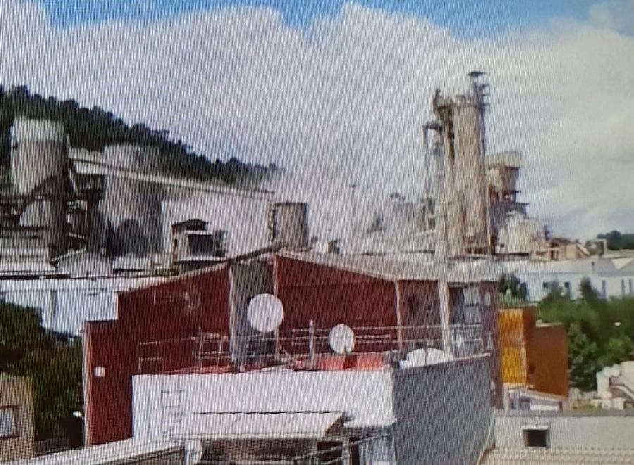 Imatge enregistrada per un veí de l'explosió de pols a la cimentera