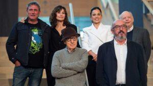 Woody Allen, Jaume Roures y actores de la película 'Rifkin's Festival'