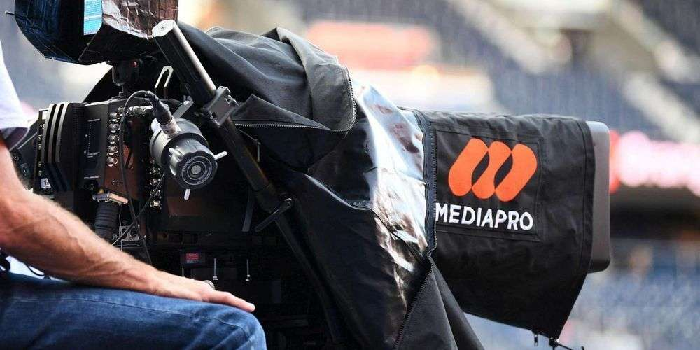 Càmara de Mediapro per transmetre un partit de futbol a França