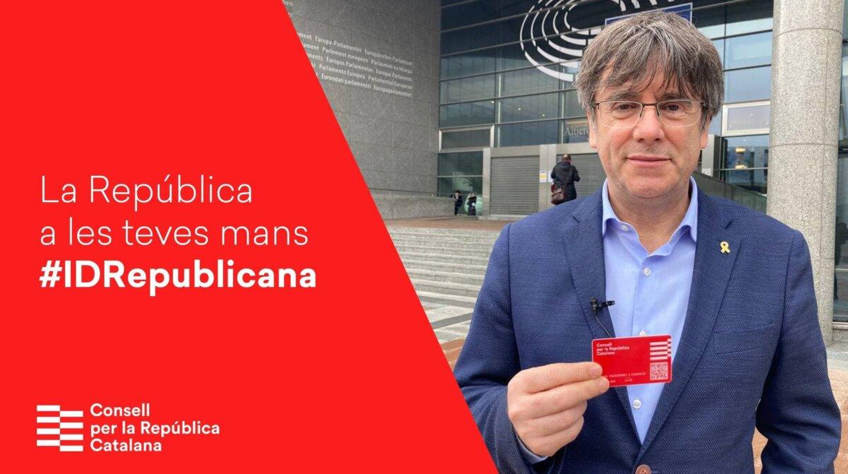 """Puigdemont, promocionant la """"Identitat Digital Republicana"""""""