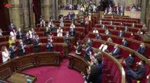 Pere Aragonès, aplaudido en el Parlamento catalán