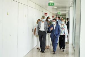 El president Aragonès i el conseller Argimon, a l'Hospital de Bellvitge
