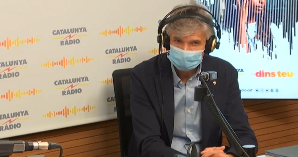 El consejero de Salud, Josep Maria Argimon, en una entrevista en Catalunya Ràdio