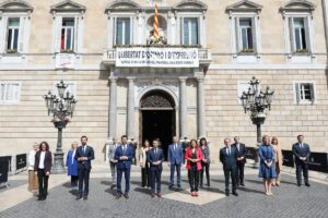 El presidente de la Generalitat, Pere Aragonès, acompañado de los consejeros del Ejecutivo