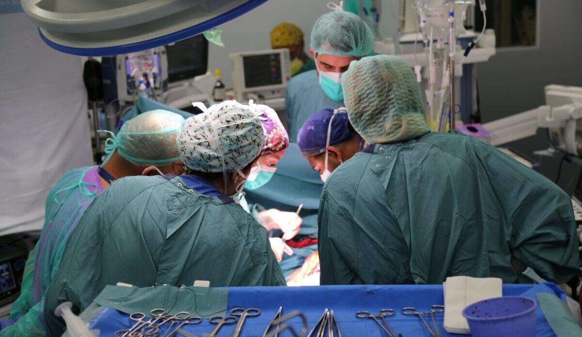 El primer trasplante pulmonar en un paciente post-Covid en el hospital Vall d'Hebron