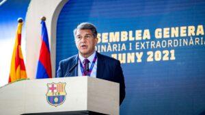 El president del Barça, Joan Laporta, a l'Assemblea General del club