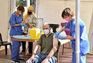 Punt de vacuncació a Ciutat Meridiana